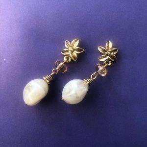 Vintage flower earrings 🌸